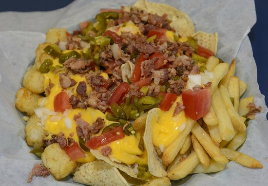 Highway 1 Golf Games and Grub: nacho sampler with fries & tots