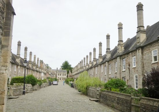 Wells Walking Tours : Vicars' Close