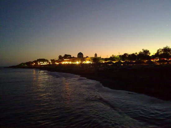 Perissa Beach: Black Beach di notte