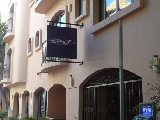 Acanto Hotel & Condominiums : Outside hotel