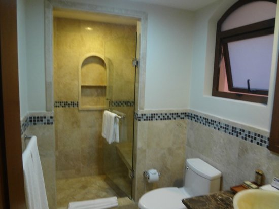 Acanto Hotel & Condominiums : Bathroom