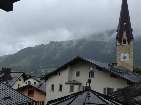 Hotel Goldener Greif: View of Kitzbuheler Horn from my balcony