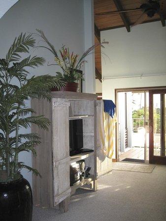 Aston at Poipu Kai: living room
