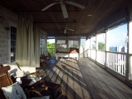 A Stone's Throw Away : Room balcony