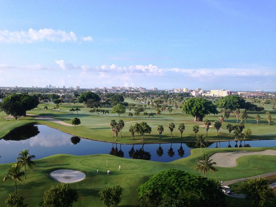 Sheraton Miami Airport Hotel & Executive Meeting Center : best views golf  course 1