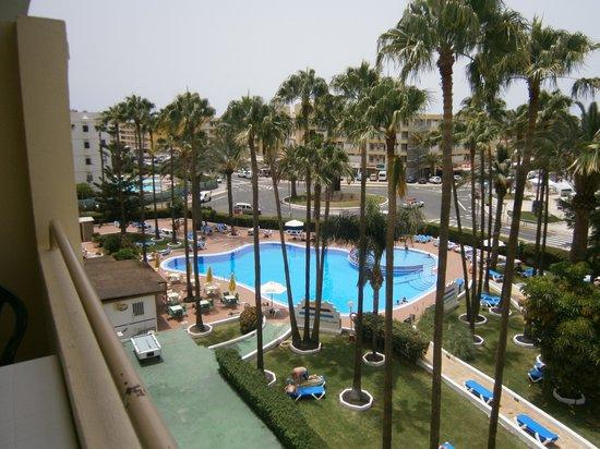Playa del Sol -  Adults Only: Vista de la piscina desde la habitación