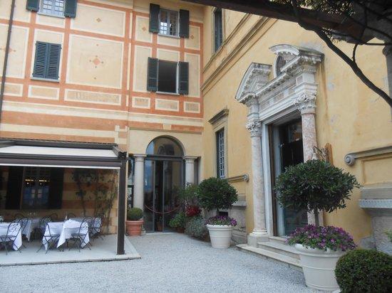 Hotel Villa Cipressi: terraza