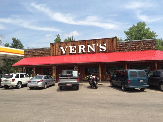 Vern's Place : Ample parking is available.