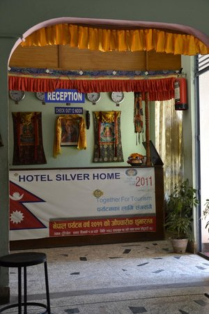 Hotel Silver Home: Reception