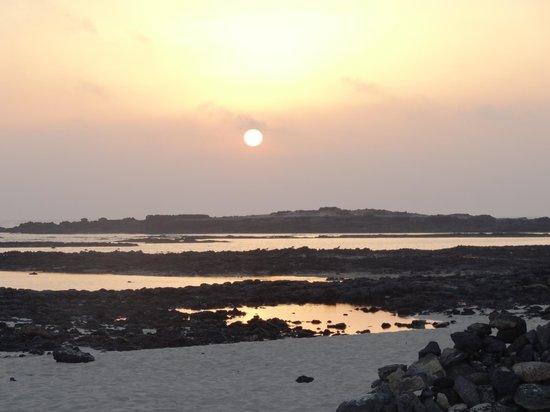 Cotillo Lagos Apartments: Aussicht bei Nacht am Strand