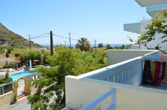 Irinna Hotel: .