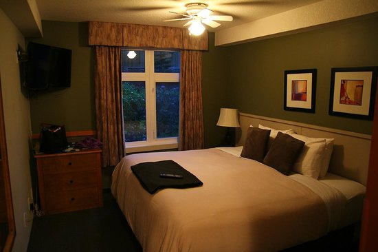 Windtower Lodge & Suites: Bed