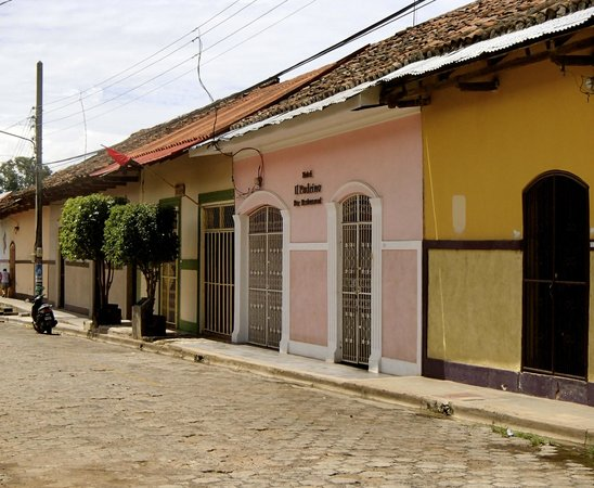 Il Padrino Hotel: exterior