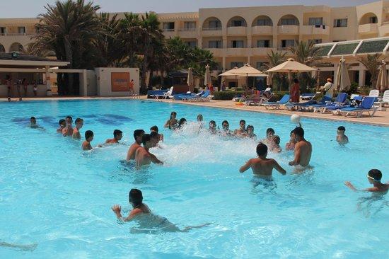 Djerba Mare: Piscina di giorno