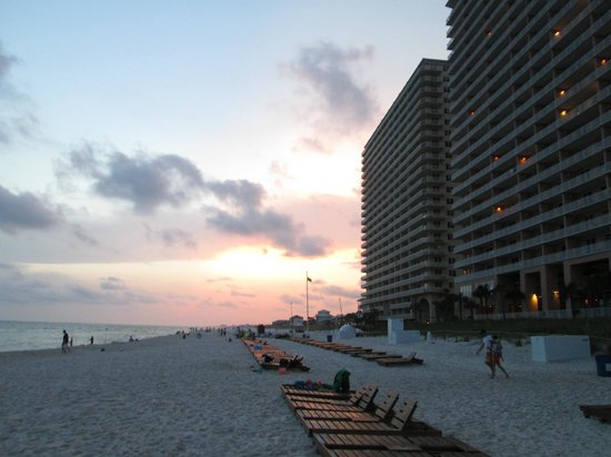Splash Resort Condominiums Panama City Beach: Splash at sunset.