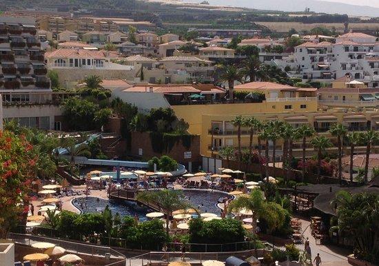 Be Live Experience Playa La Arena: Una piscina y el tobogan