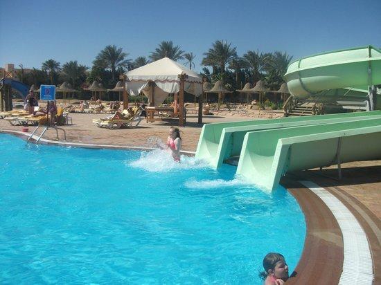 Park Inn by Radisson Sharm El Sheikh Resort: coming out the pool