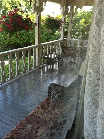 Coolidge House Bed and Breakfast : view of front porch from front window of Parlour Suite