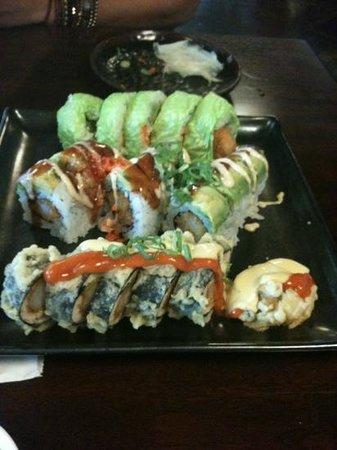 Foto de Mikuni Japanese Restaurant And Sushi Bar