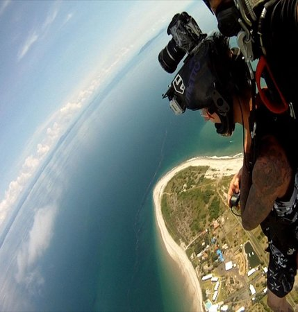 Nitro City Panama Action Sports Resort : I got to skydive above the resort and land on the beach in front of the pool! So much fun!