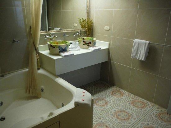 La Mansion Inn: Salle de bain
