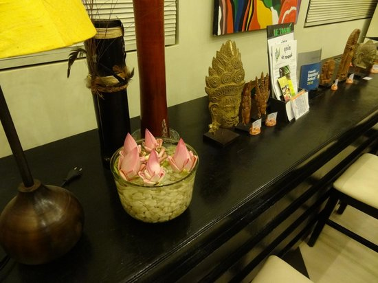 Claremont Angkor Boutique Hotel: Decoration at Lobby