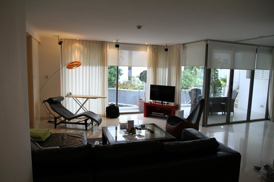 BYD Lofts Boutique Hotel & Serviced Apartments : Living room of our apartment