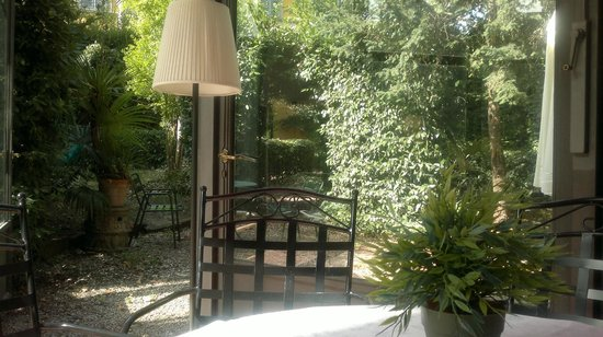 Classic Hotel: giardino coperto