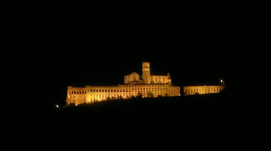 Assisi Garden : panorama by night