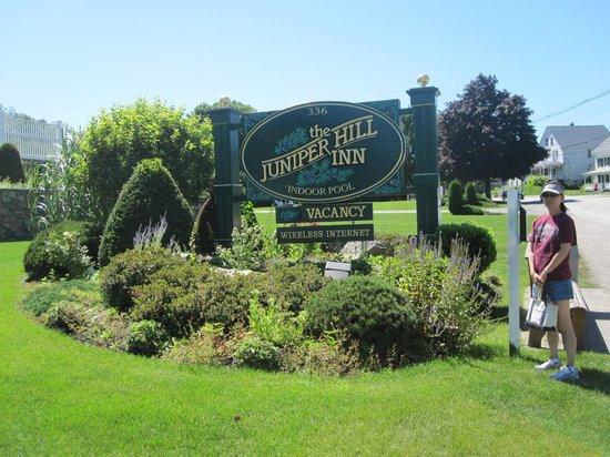 Juniper Hill Inn : Sign