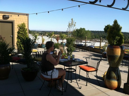 Holiday Inn Express Hotel & Suites North Sequim : Roof top garden