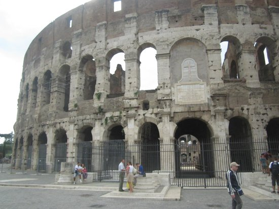 Italy by Limo Day Tours