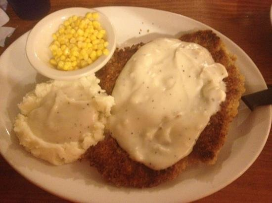Chuckwagon Cafe : country fried steak