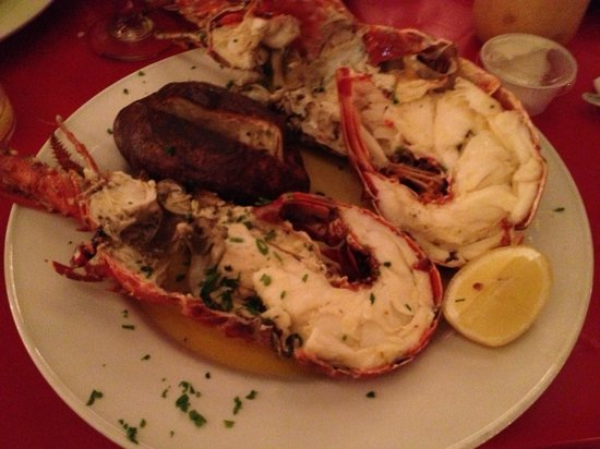 Topper's By The Sea: Lobster night