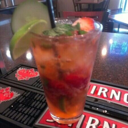 Desert Palms Hotel & Suites: Strawberry Mojito at Sandbox