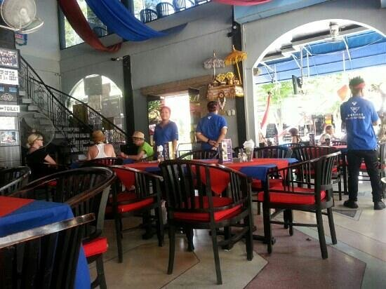 Blue Skyz: Aussie bar