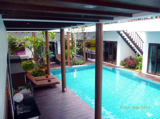 The Lamuna: terrace on pool