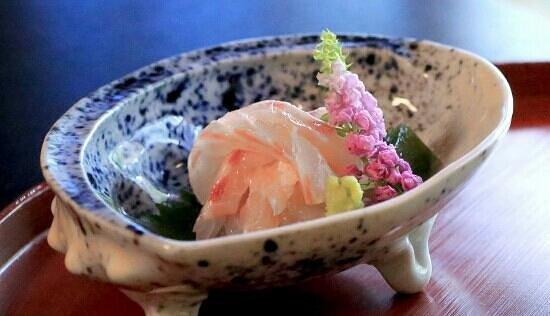 Hyoteihonten: red sea bream sashimi