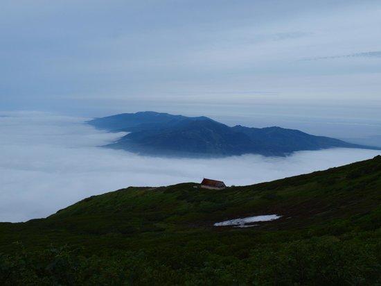 Mt. Yotei : 避難小屋