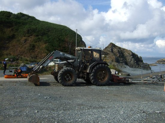 Porthkerris Divers: The Tractor