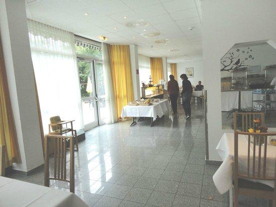 Hotel Lenas West: Un angolo della sala colazioni
