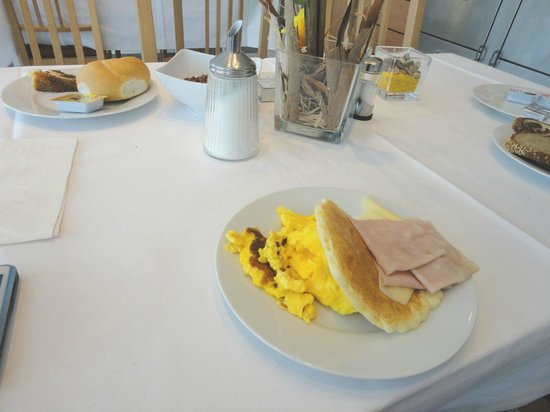 Hotel Lenas West: Si mangia