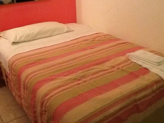 Hotel De Rosa: camera