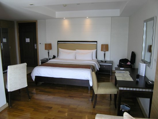 Adelphi Grande Bangkok: Our bed