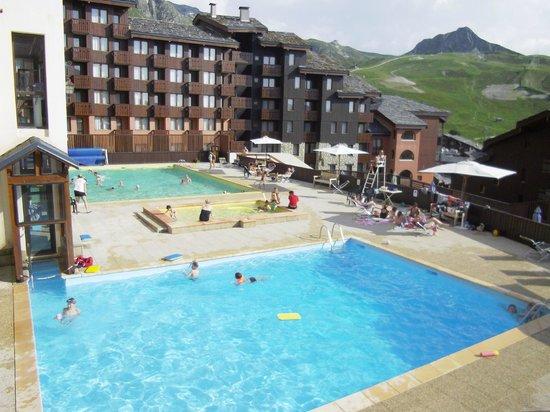 Pierre & Vacances Résidence Les Chalets des Arolles : Les piscines