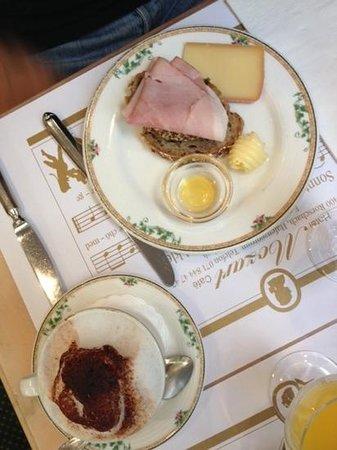 Hotel Mozart Rorschach: breakfast