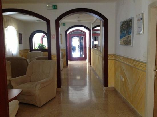 Hotel Villa Letan: room hallways