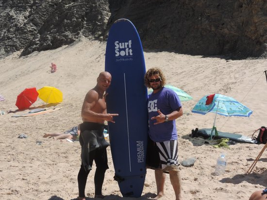Jah Shaka Surf and Kite Lodge: My surfer dude friend Bra on the right