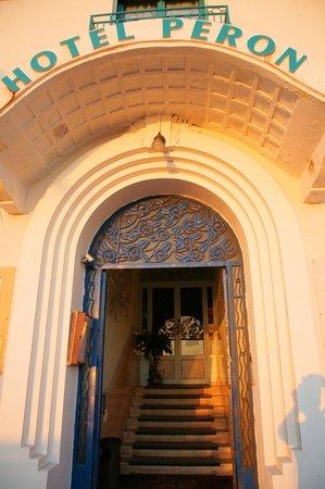 Hotel Peron : Hotel entrance