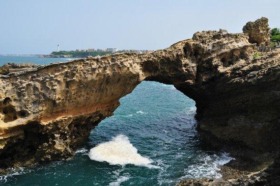 La Côte des Basques : vers le rocher de la vierge